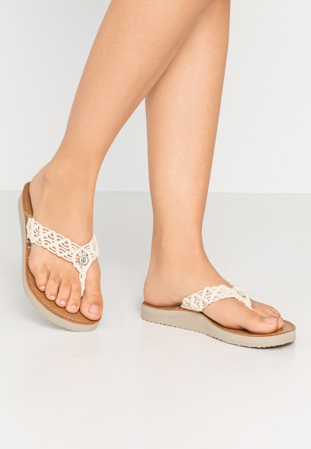 TROPICAL BEACH - Sandalias de dedo - ivory