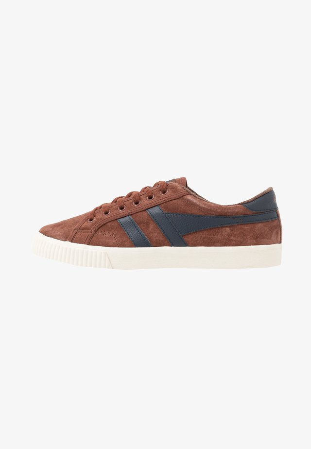 TENNIS MARK COX - Sneakersy niskie - cognac/navy