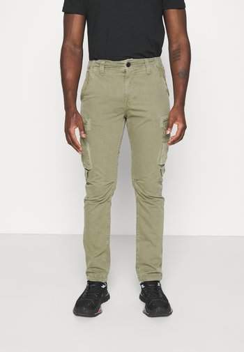 JOURNEY SURPLUS - Cargo trousers - forest green