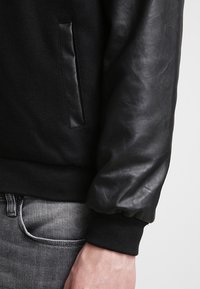 Urban Classics - OLDSCHOOL COLLEGE - Light jacket - black - 5
