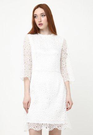 SONATERA - Shift dress - weiß