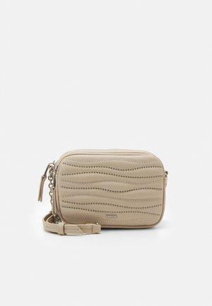 CROSSBODY BAG KINGDOM - Taška spříčným popruhem - beige