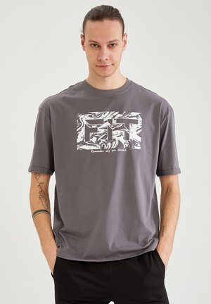 OVERSIZED - T-shirt con stampa - anthracite