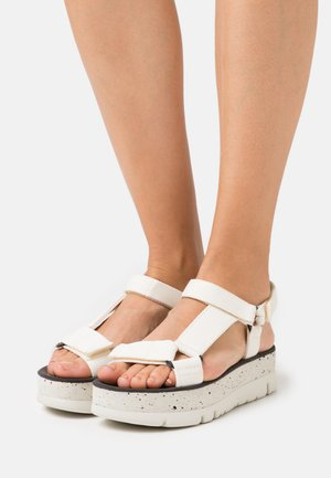 ORUGA UP - Platform sandals - white