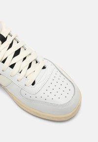Diadora - MAGIC MID ICONA UNISEX - Sneaker high - white/black - 4