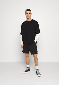 Mennace - LAYERED TEE - Longsleeve - black - 1