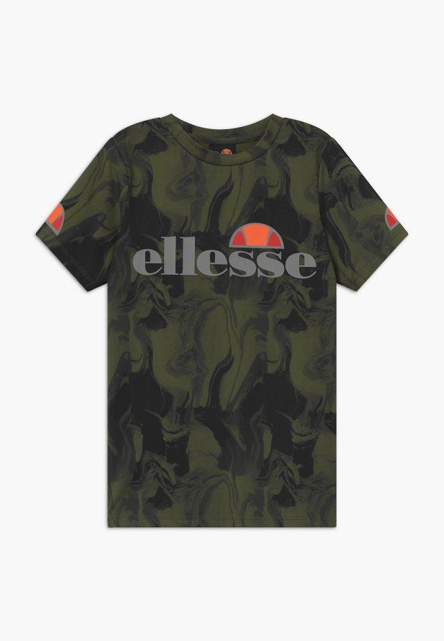 VETREGO PERFORMANCE TEE - Print T-shirt - dark green