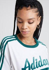 adidas Originals - REGULAR TEE - T-shirts print - white - 3
