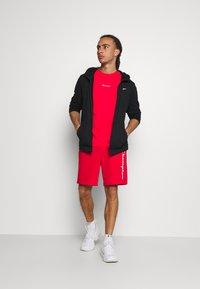 Champion - CREWNECK - T-shirt imprimé - red - 1
