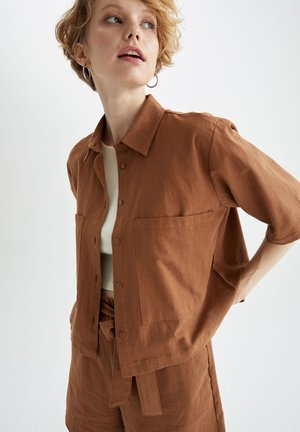 CROPPED FIT - Chemisier - brown