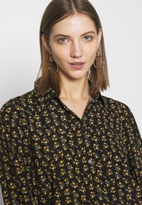ONLY - ONLJESS SMOCK TOP  - Button-down blouse - black/yellow - 4