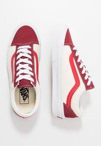 Vans - STYLE 36 - Sneakersy niskie - biking red/poinsettia - 1