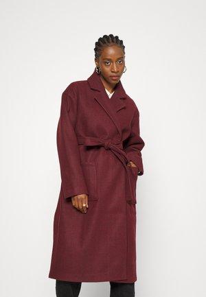 IRMA BELTED COAT - Classic coat - fudge