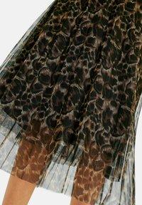 MARGITTES - A-line skirt - schwarz/multicolor - 3