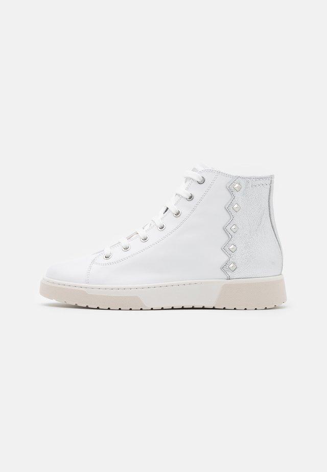 KAPHA  - Sneakers alte - white/silver