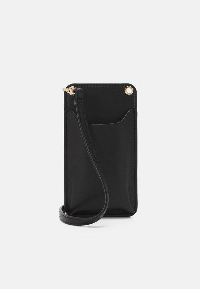 MOBILECASE JENNIE - Kännykkäpussi - black