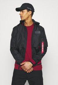 Alpha Industries - HOOD DEFENSE - Summer jacket - black - 4