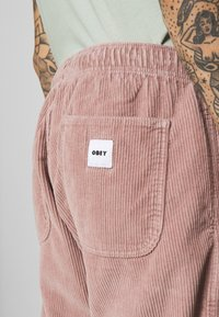 Obey Clothing - EASY PANT - Pantalones - gallnut - 5