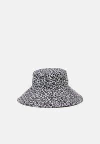 Vero Moda - VMBELLA BUCKET HAT - Klobouk - black - 0