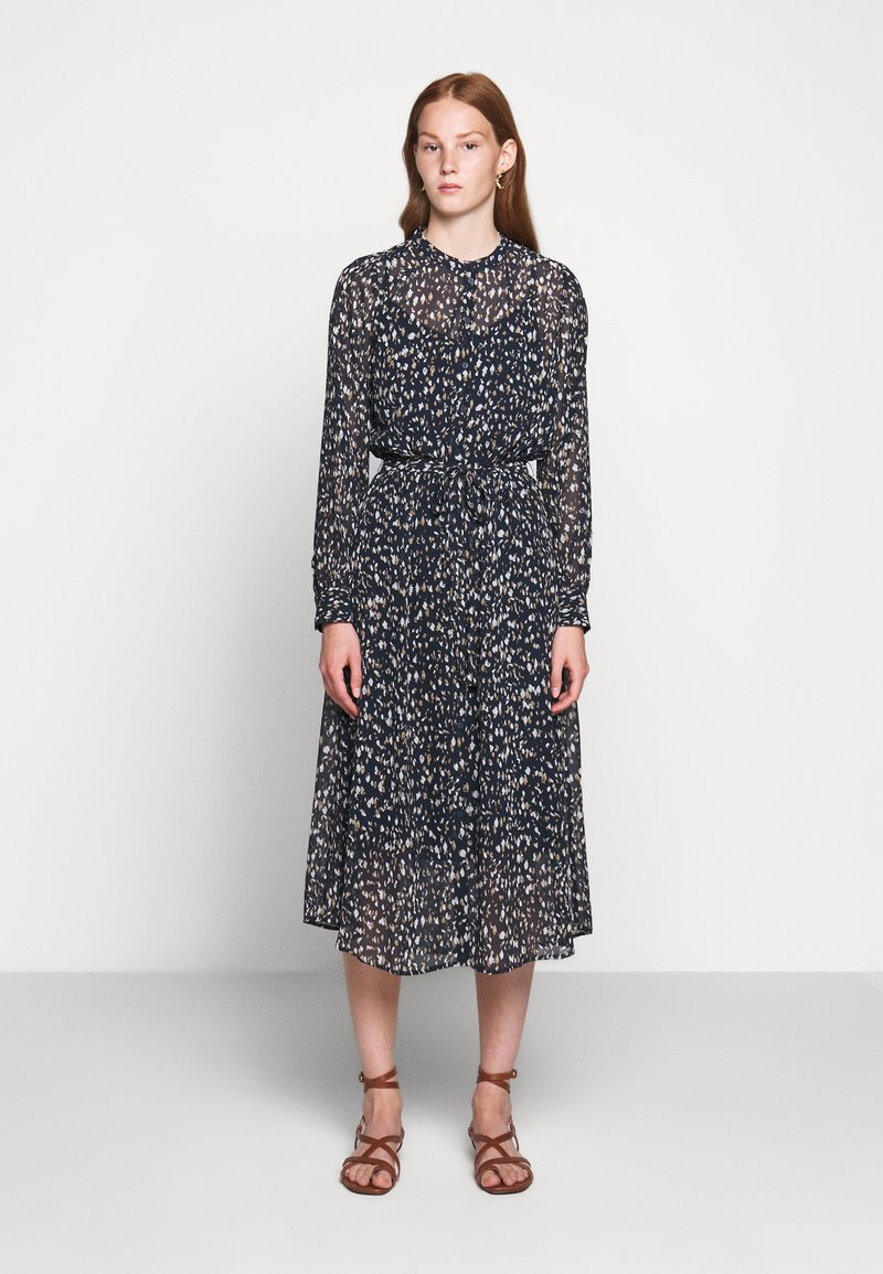 Bruuns Bazaar - HAZE MIRRAH DRESS - Košilové šaty - night sky