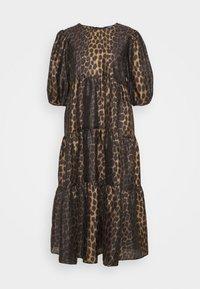 Cras - LILICRAS DRESS - Freizeitkleid - wild leo - 0