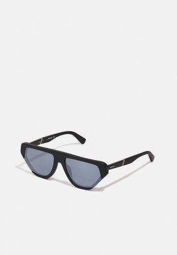 Sunglasses - matte black/smoke mirror
