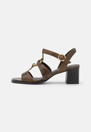 Sandals - kaki