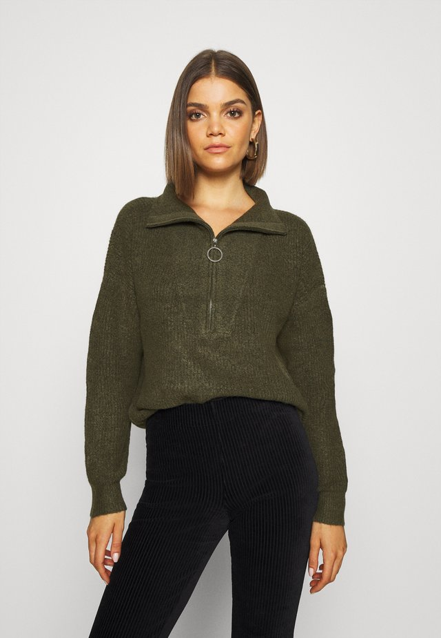 NMNEWALICE HIGH NECK - Strickpullover - khaki