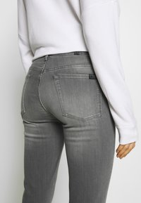 7 for all mankind - ILLUSION LUXE BLISS - Jeans Skinny Fit - grey - 5