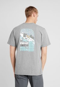 Patagonia - FED UP WITH MELT DOWN RESPONSIBILI TEE - Print T-shirt - gravel heather - 2