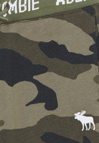 Abercrombie & Fitch - LOGO - Teplákové kalhoty - khaki - 2