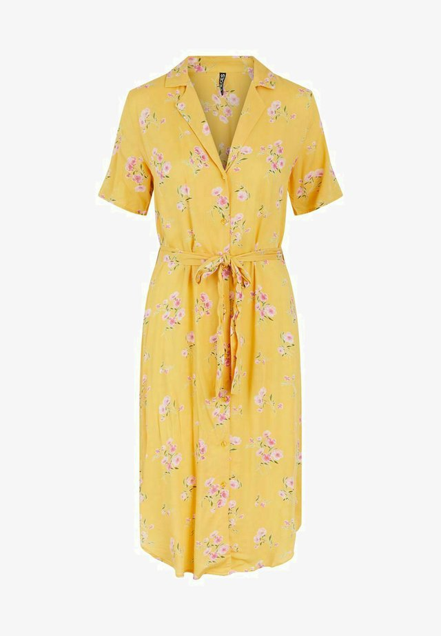 PCTRINA SHIRT MIDI DRESS - Blousejurk - banana