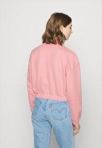Levi's® - POM QUARTER ZIP - Sweatshirt - blush - 4