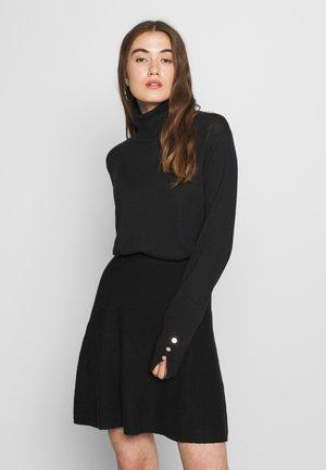 VMMILDA - Pullover - black