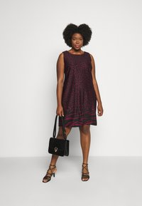 CAPSULE by Simply Be - PONTE SHIFT DRESS - Day dress - black - 1