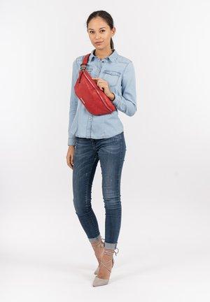 FRANZY - Bum bag - red