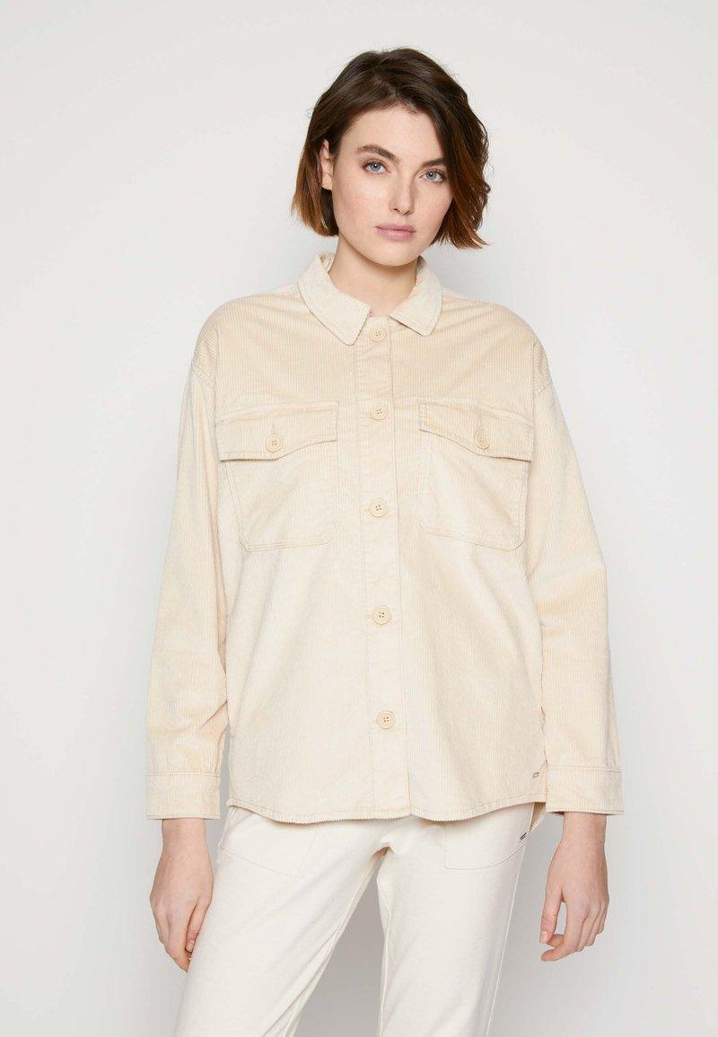 TOM TAILOR DENIM - SHIRT JACKET - Summer jacket - blazed beige