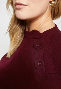 Evans - SOFT TOUCH BUTTON NECK - Jumper - berry - 4