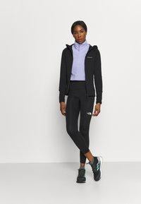 Peak Performance - CHILL ZIP HOOD - Fleece jacket - black - 1