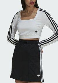 adidas Originals - LONG SLEEVE - Longsleeve - white - 3