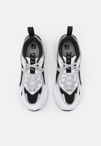 Puma - RS-CURVE GLOW  - Sneakers laag - black/white/silver - 5