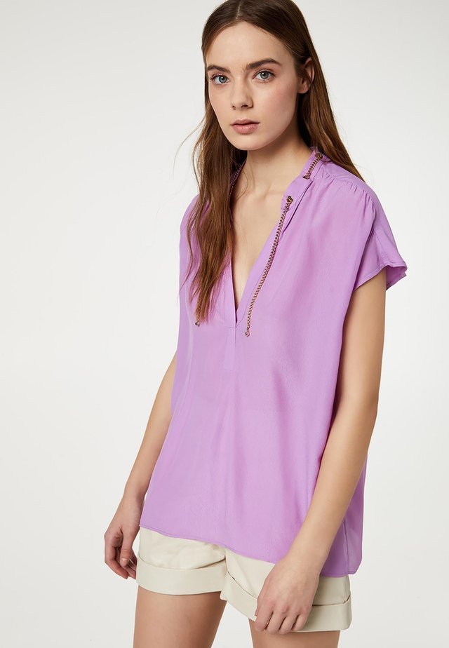 WITH METAL CHAIN - Blouse - lilac