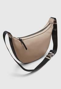 s.Oliver - TAS - Bum bag - beige - 4