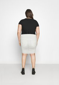 Vero Moda Curve - VMFAITH SHORT SKIRT MIX - Mini skirt - cloud dancer - 2