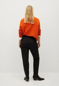 Violeta by Mango - JOSE8 - Trousers - schwarz - 2