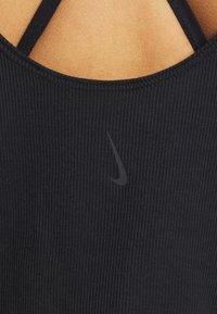 Nike Performance - YOGA RUCHE TANK - Treningsskjorter - black - 5