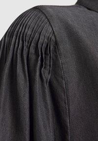 Copenhagen Muse - MALOU - Vestito di jeans - black - 3