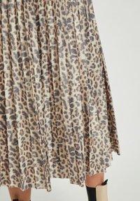 Vila - Pleated skirt - motld beige - 3