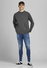Jack & Jones - Jeans Tapered Fit - blue denim - 5