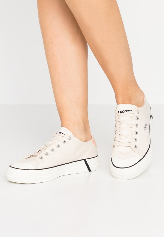 GRIPSHOT - Zapatillas - offwhite/black